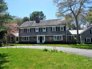 43 Oakdale Path, Osterville
