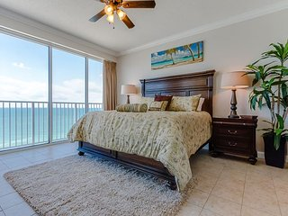 FREE ACTIVITIES INCLUDED- Newly Renovated condo with Gulf front view!, Panama City Beach