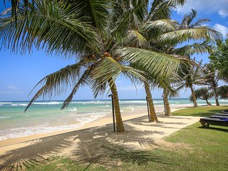 South Point Ocean - 8 Bedroom Luxury Beach Villa  -Fully staffed,Pool,Beach.Sea