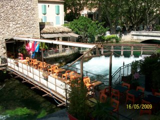 Appartement vacances tout equipe a Fontaine de Vaucluse 84800