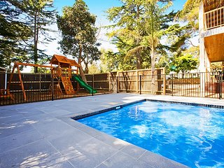 Unit 3/38 Chapel St, Cowes - Swimming pool & Kids playground