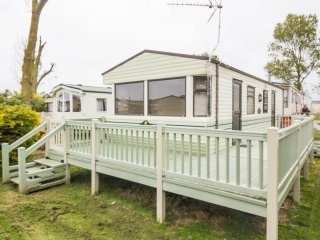 21003 Althorpe area, 2 Bed, 6 Berth, with a full river view on a quiet area of t, Heacham