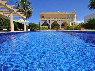 Villa in Sa Torre near the sea and golf for 8 people.