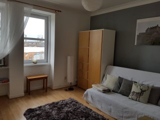 lovely flat in traditional building, Édimbourg