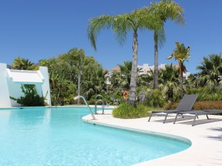 1942 - 2 bed apartment, Alcazaba Lagoon, Casares, Estepona