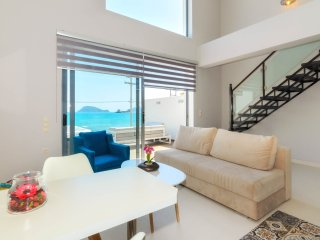 Deluxe Apartment with Sea View