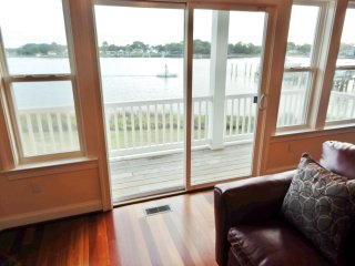 "Captains Qwaters  ""A contemporary waterfront retreat"""