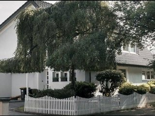 Souterrain-Studio in Luxus-Villa am See nahe Dusseldorf