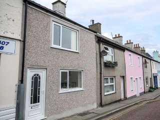 CEMAES BAY, two storey annexe, coastal views, WiFi, in Cemaes Bay, Ref 958340