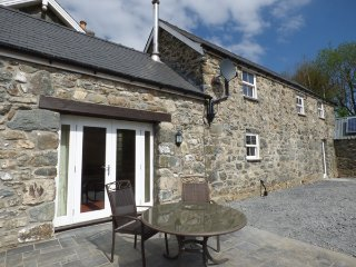 Y BWYTHYN AT HENFAES stone-built detached cottage, rural village, views, Llanfachreth