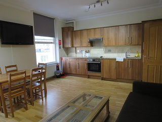 2 Bedroom Flat in Bayswater, Hyde Park, London, F3
