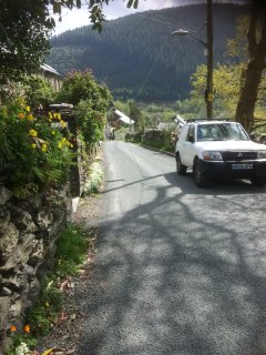Parking is on the quiet lane below the steps upto Isygraig
