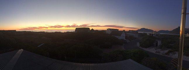 Sundown at Dream Beach Holiday House