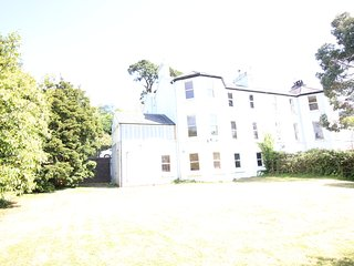 Large Victorian House with Garden, Cobh