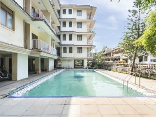 Restful stay with a pool, close to Calangute Beach