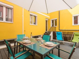 Spacious Santa Marta Terrace apartment in Avenida da Liberdade with WiFi & priva