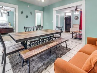 Remodeled dog-friendly duplex just moments from the beach and historic seawall!