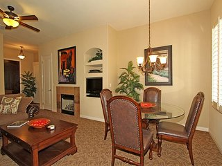An Upstairs One Bedroom with a King Bed Just Steps from the Pool and Hot Tub!