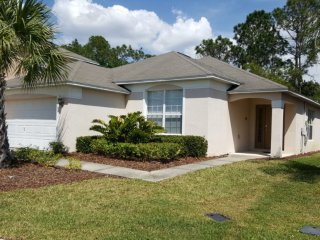 Escape to a 4BR, 3BA Villa w/ Recreation Room