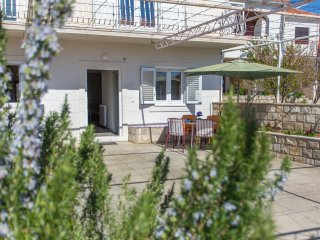 Apartment Mojaš - Two Bedroom Apartment with Terrace, Ston