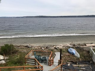 VASHON ISLAND BEACHFRONT CABIN- New Listing, Dates Available