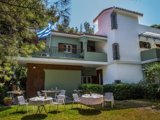 COSY SPACIOUS HOUSE IN PENTELI, Nea Penteli