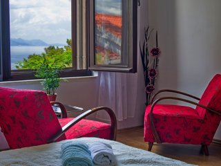 Romantic apartment with sea view for 4
