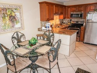 SUMMER BREEZE 303 - *ENJOY THE BALCONY & VIEWS FROM THIS 1 BEDROOM CONDO*