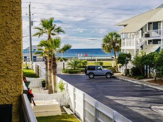 Costa Vista 21 *VERY LARGE UPGRADED CONDO - 50 YARDS TO BEACH*