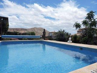 Villa J&J Grand Relax con piscina climatizada
