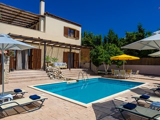 Villa Citrus - Modern & cosy villa with spacious terrace & splendid view