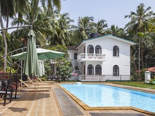 Tranquil retreat for three, 900 m from Candolim Beach
