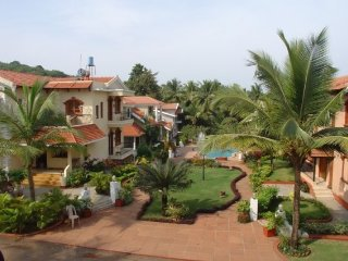 Tastefully done 3 BHK for 9, 500 m from Sinquerium Beach