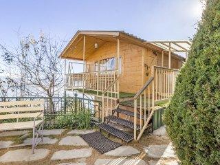 2-BR rustic hut stay