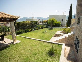 House close to the beach - 10 mins from Athens airport