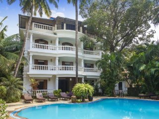 A contemporary stay for three, 200 m from Baga beach