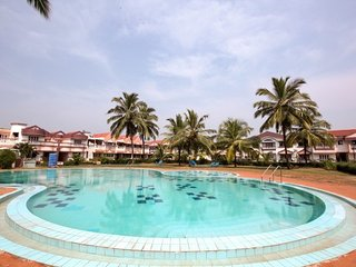 Idyllic stay for a couple in an apartment with pool close to Benaulim beach