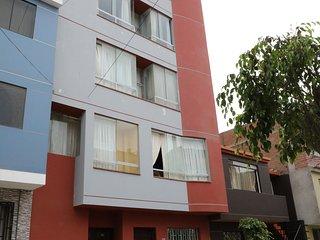 Budget Apartment with WIFI, Chorrillos -La Campina