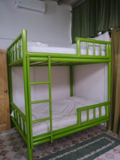 Double bunk beds that can sleep 2 on each bunk w/ high cool AC