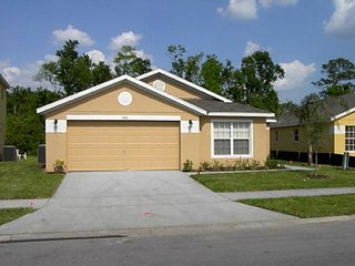 Affordable 4Bed 3Bath pool home with semi-private view from $115/night