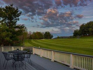 Close to golf & skiing at Wisp Resort!