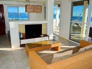 U7 Shambala Terraces - Studio Penthouse with Panoramic Sea View