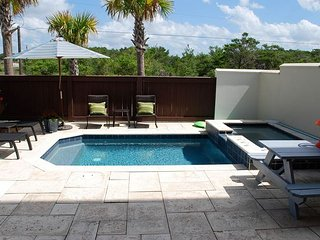 BOOK NOW! 4BR w/ Private Pool,Gulf of Mexico views,In-law Suite,Walk to Beach