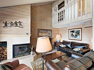 3BR Aspen Condo with Valley Views – Walk to Snowmass Shuttle