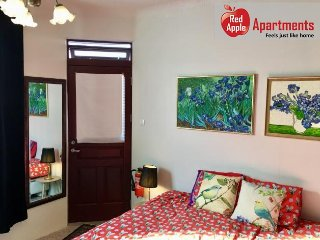 Studio in a Great LocationNewly Renovated & Private  - 7578