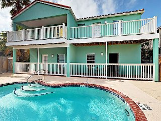 Sunny 2BR Condo w/ Pool, 2 Balconies – Walk to Beach, Dining, Nightlife