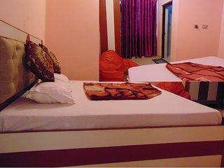 Tapasya Home Stay, Rooms and Hotels Near Jolly Grant Dehradun Airport.