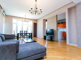 Spacious Apartment - Calibor, Baku