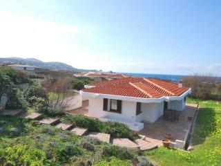Villa con ampio giardino, barbecue a 100 metri dall'acqua
