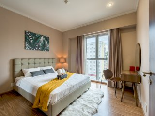 Free AIRPORT PICKUP! Luxury Apartment, Saigon at the door